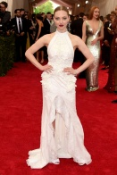 MET Gala 2015 Amanda Seyfried en Givenchy Couture vintage Getty Images